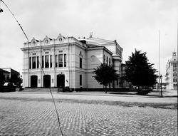 Gävle Teater Den invigdes 1878. Entrén har sin förebild i