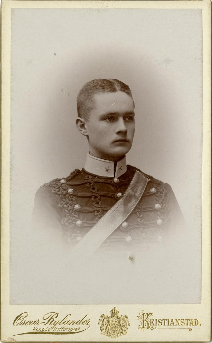 Porträtt av Ture Peter Sandgren, underlöjtnant vid Wendes artilleriregemente A 3.