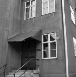 Bilder av fasaddetaljer på fastigheten vid Östra Långgatan 1