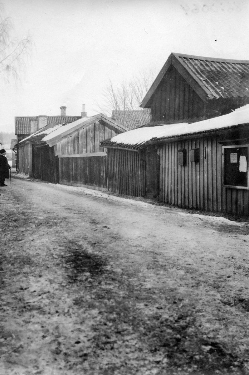 Lilla kyrkogatan. Givare Kjellström.