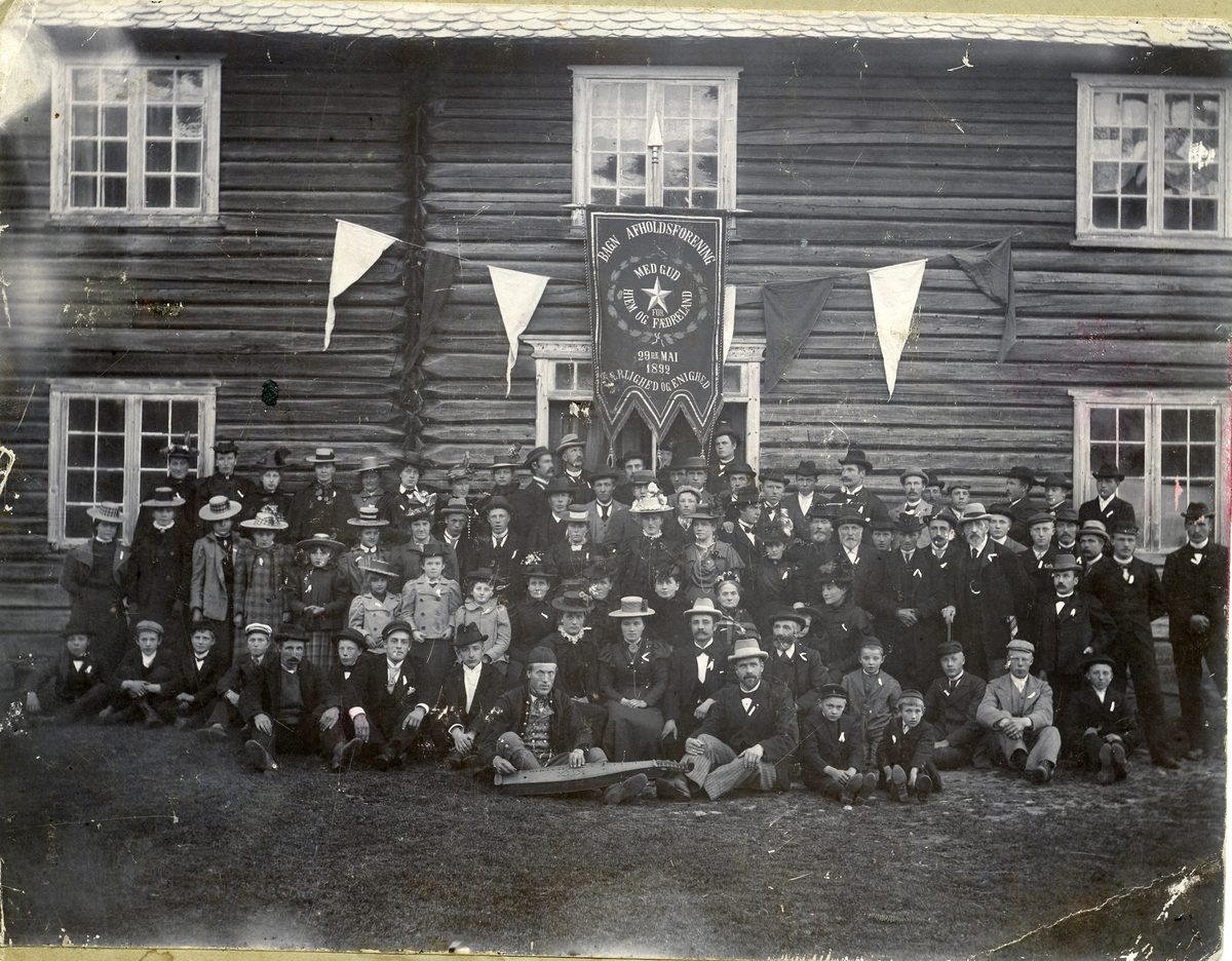 Bagn avholdslag. Fest for Oscar Thorstad, 1898.