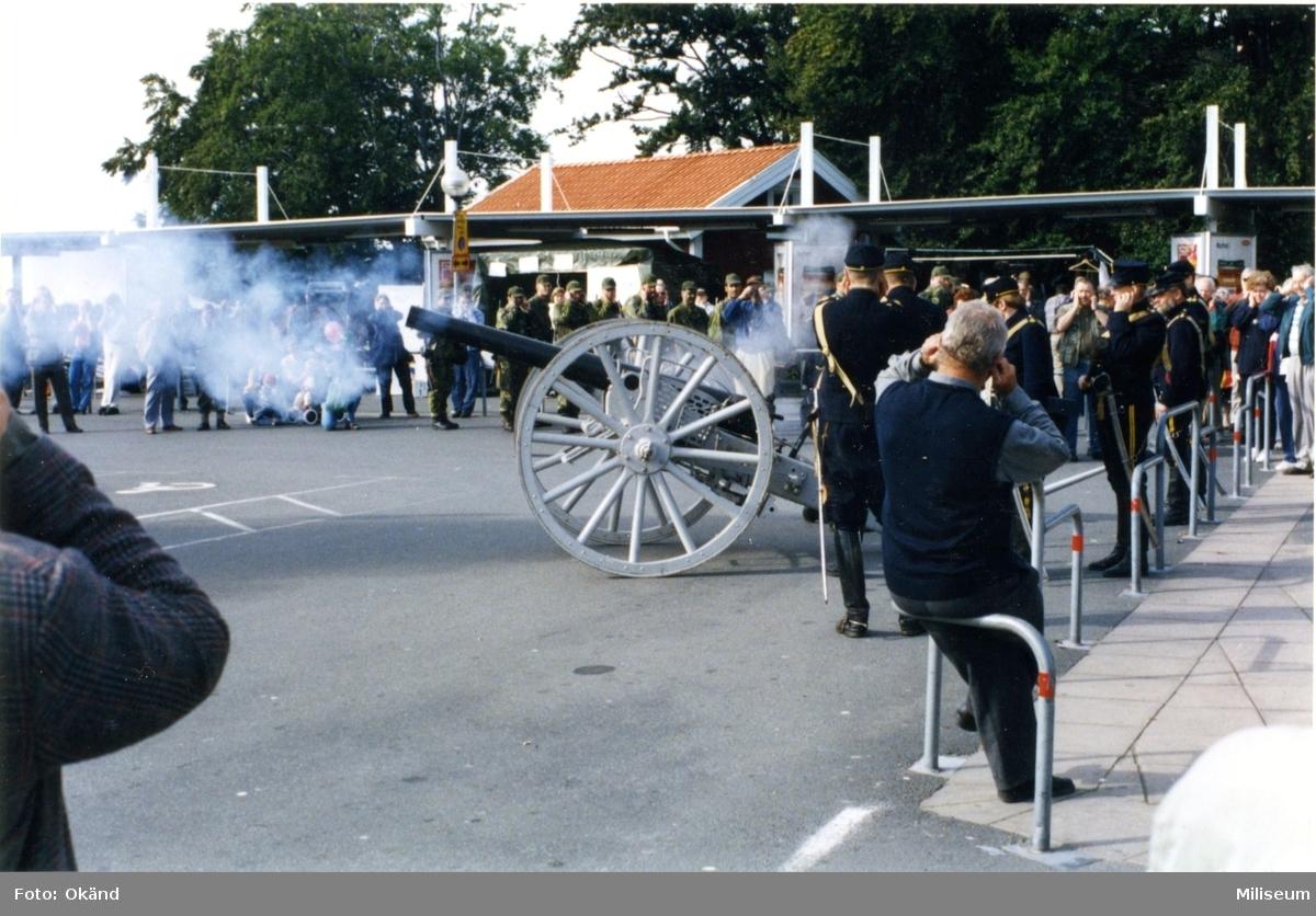 Frivilligförsvarets dag. Kanon m/1881. 8,4 cm. Salutskjutn.