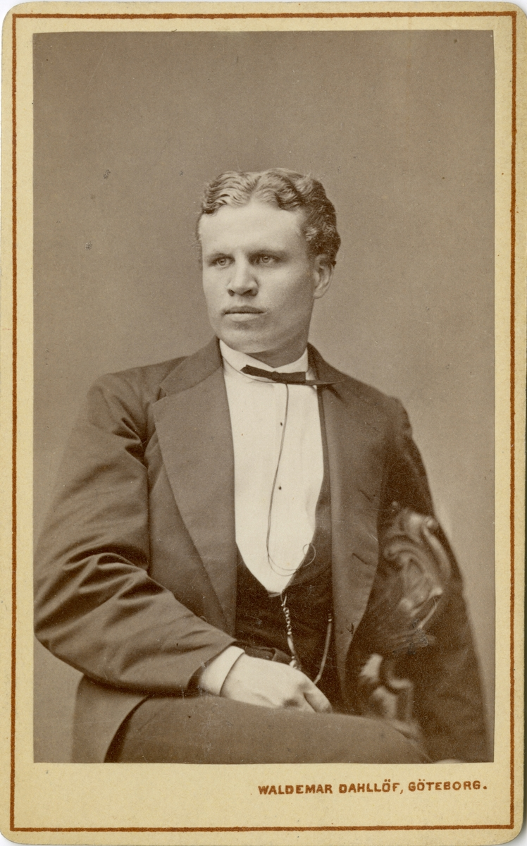 Porträtt av Edvard Otto Wilhelm Wavrinsky, underlöjtnant vid Göta artilleriregemente A 2.
