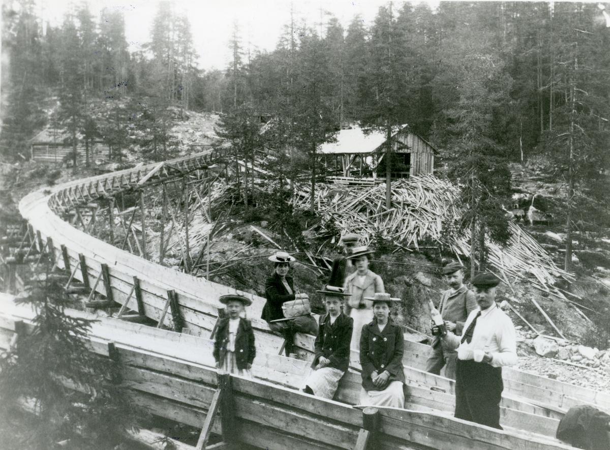 Tømmerrenne i Buvasselva.