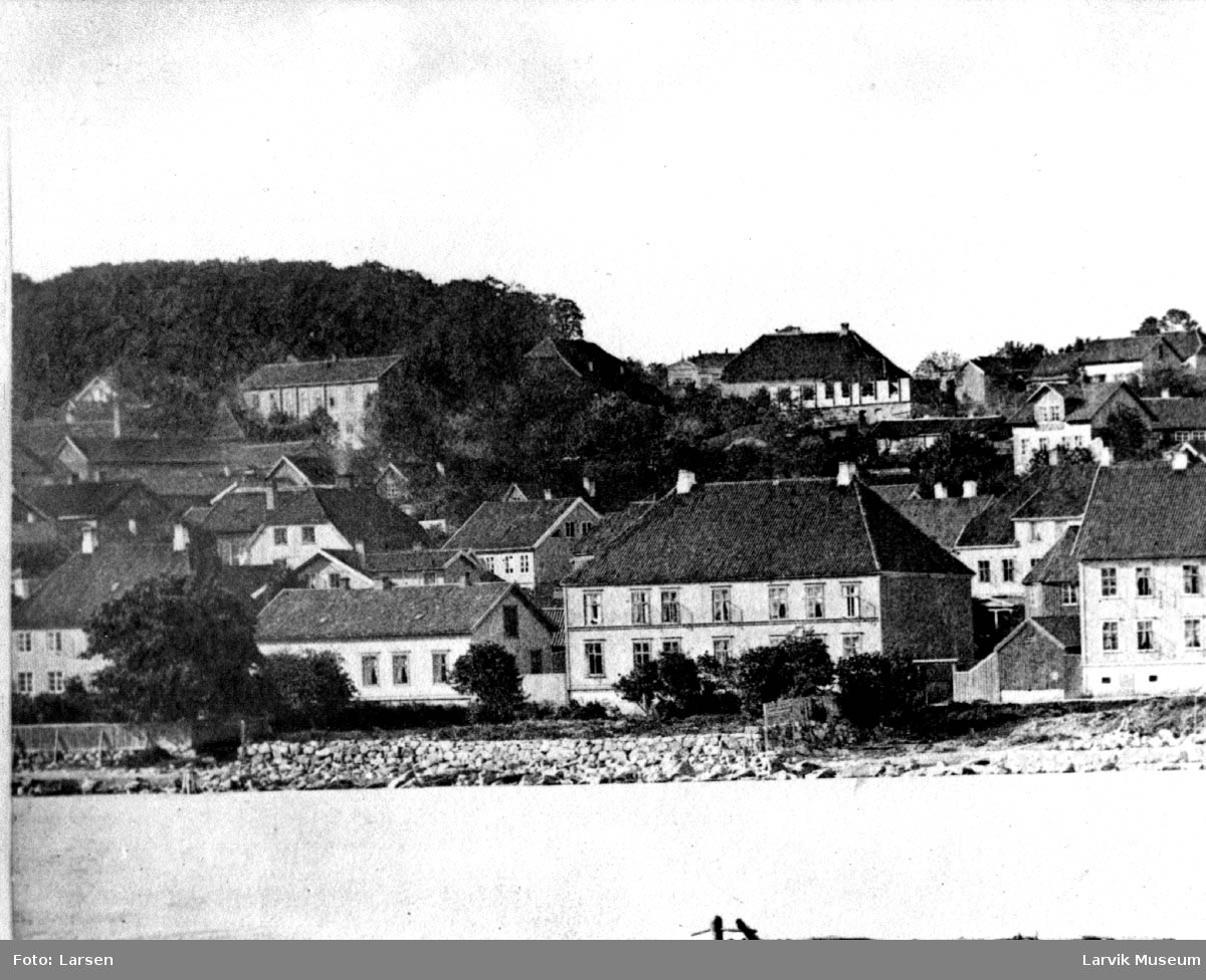 Storgaten i Larvik, bebyggelse, strandlinje.