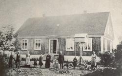 Prästgården i Källa vid början av 1880-talet. Kyrkoherden An