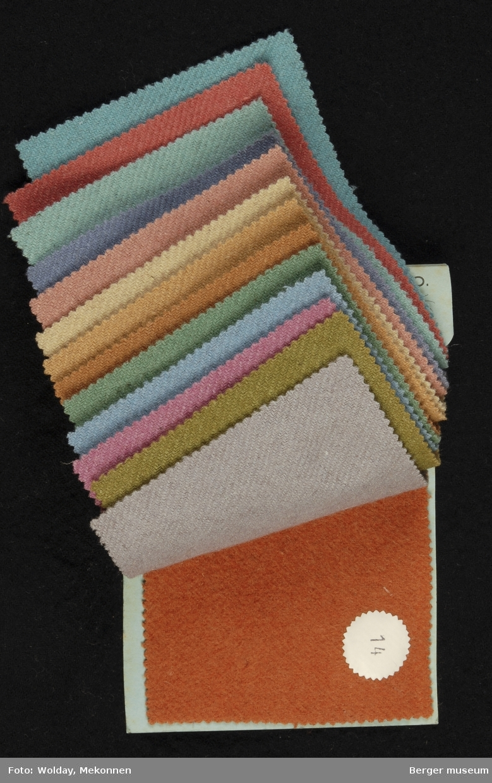 Prøvebok med 14  prøver Drakt/kåpe Kvalitet  646 Stykkfarget