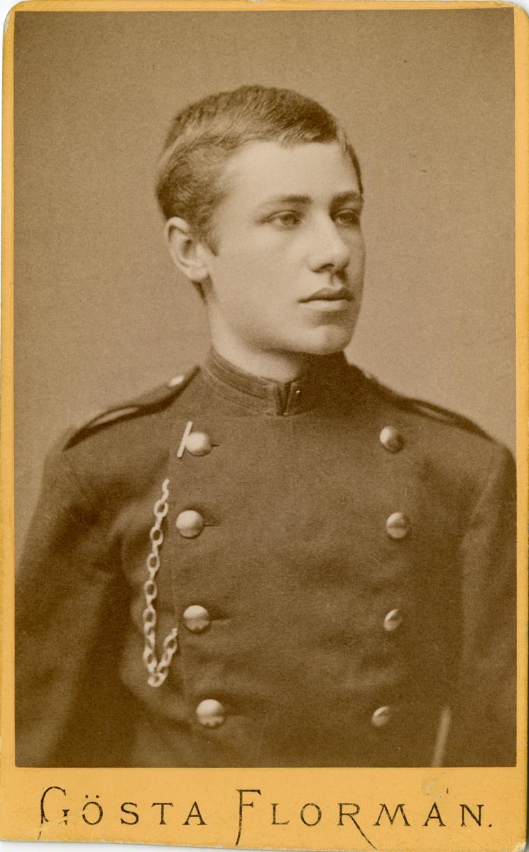Porträtt av Gösta Schalin Wadström, kapten vid Andra Svea trängkår T 5.