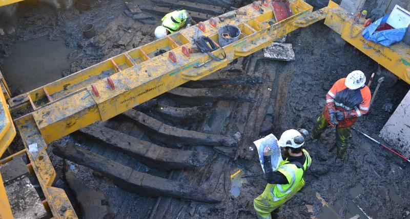 Arkeologer fra Norsk Maritimt Museum dokumenterer skipsvrak på Barcode B3. (Foto/Photo)