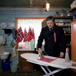 Bjørn Kaaks, Bensentunet på Ålhus, 16. mai [Fotografi]