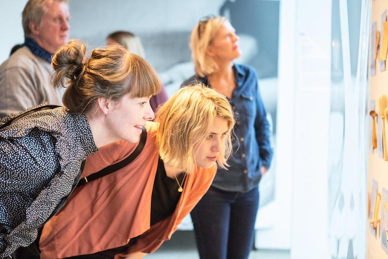 Finn inspirasjon og glede i design og kunst hos Nordenfjeldske Kunstindustrimuseum og Trondheim kunstmuseum.