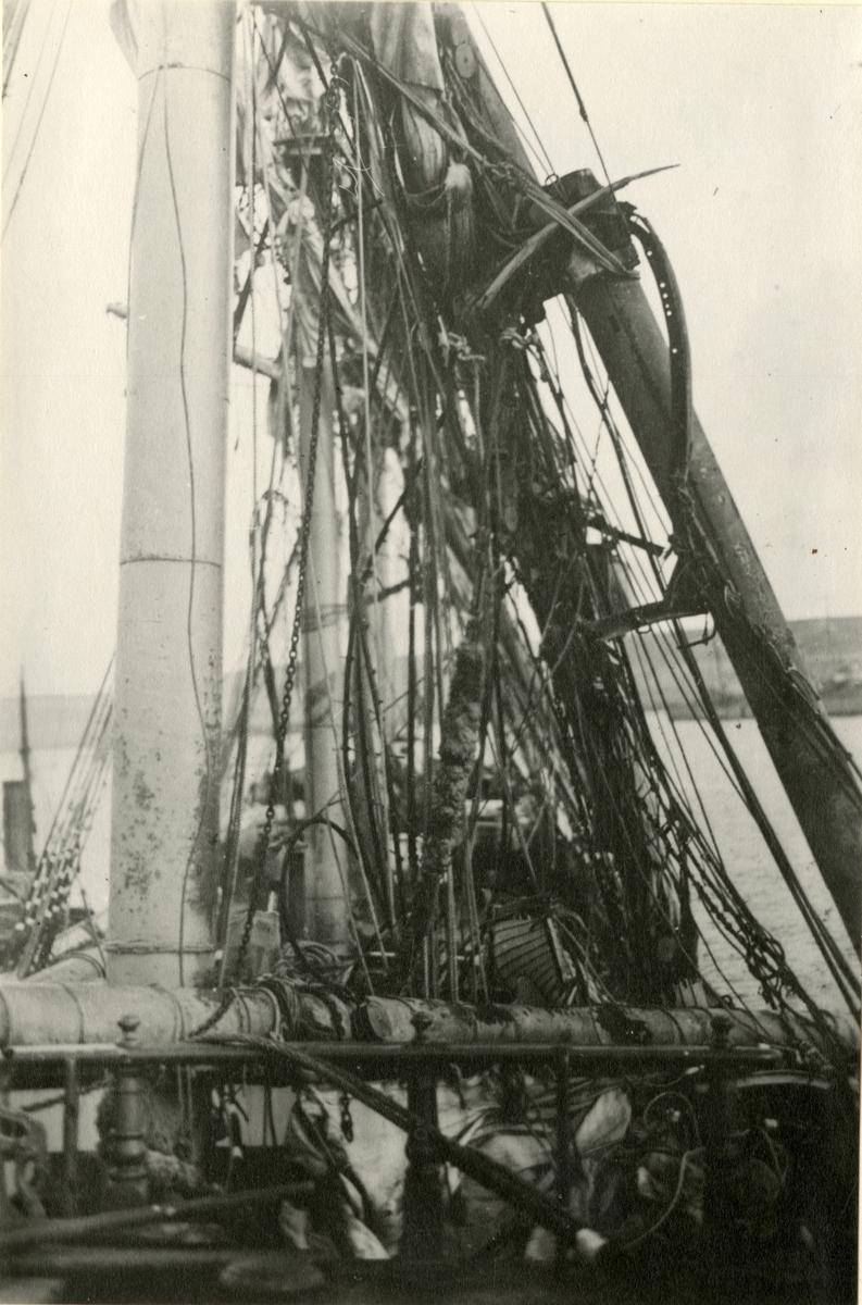 4 mastet stålbark 'Beechbank' (ex britisk s.n.)(b. 1892, Russell & Co., Greenock, Skottland), - etter havari i Nord-Atlanteren, januar 1916.
