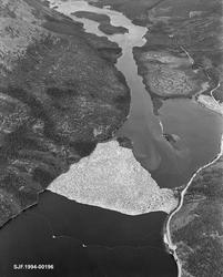 Flyfotografi fra nordenden av Sennsjøen i Trysil.  Bildet er