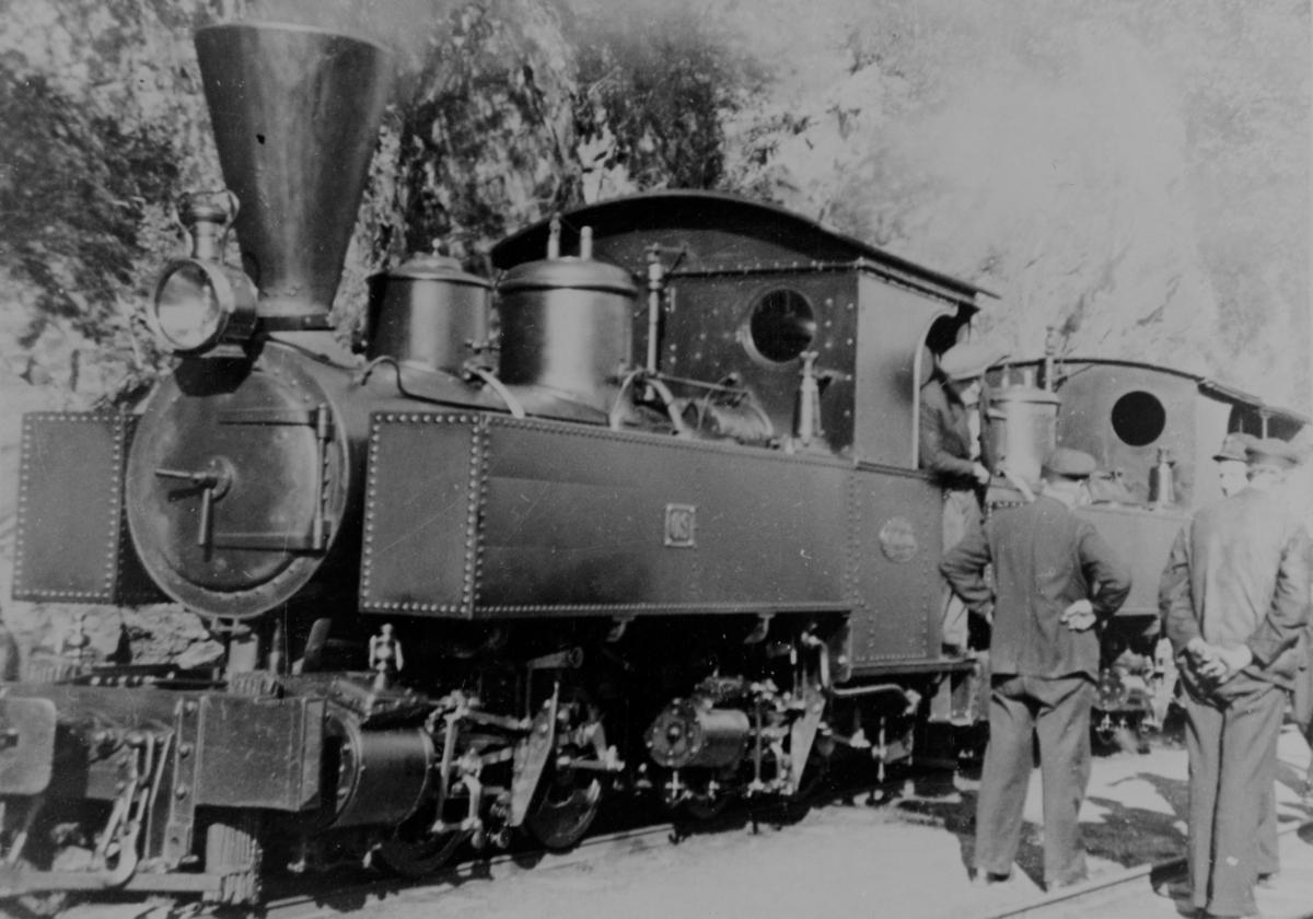 Kort tid før avgang frå Nesttun for siste gong, 01.09.1935.