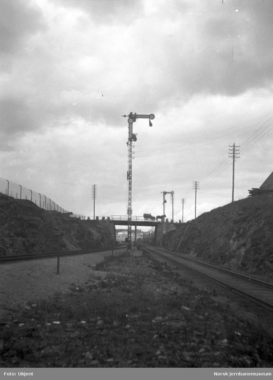 Semaforsignaler Grefsen stasjon, innkjørsignal A for Gjøvikbanen og B for godsporet Alnabru-Grefsen
