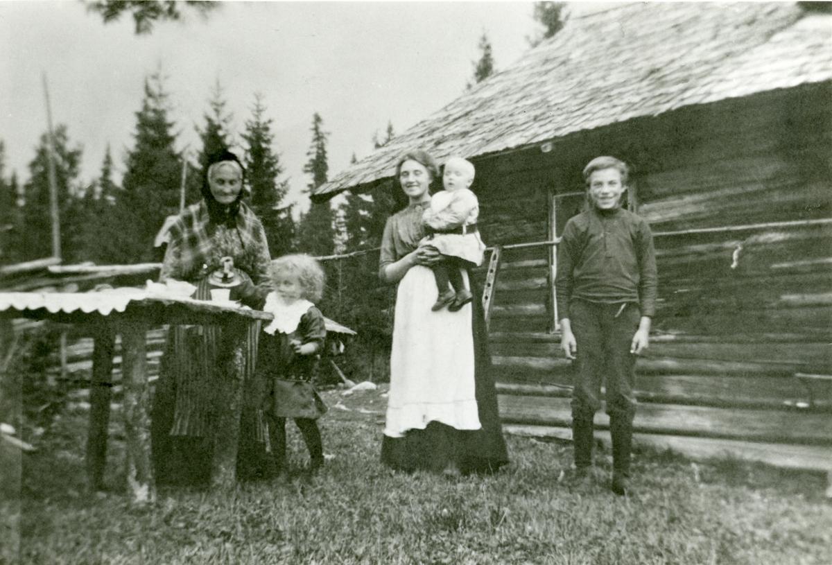 Jørand Sørbøen med sonen Ola.