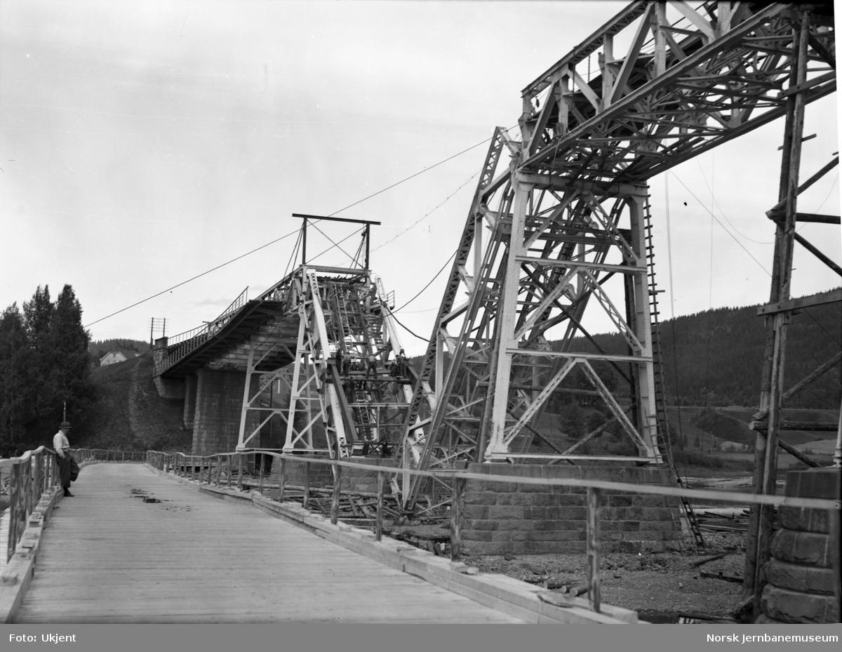 Minnesund bru etter ødeleggelsene under felttoget i 1940