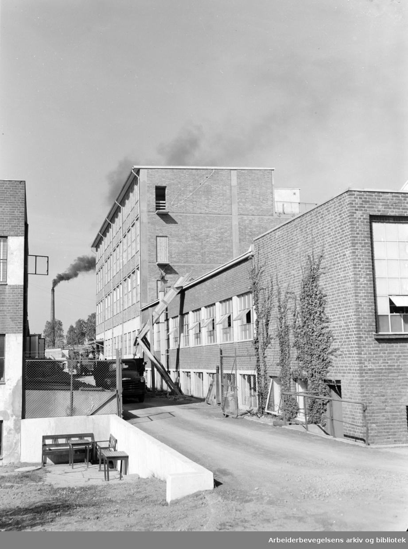 Emaljeverket utvides. September1955