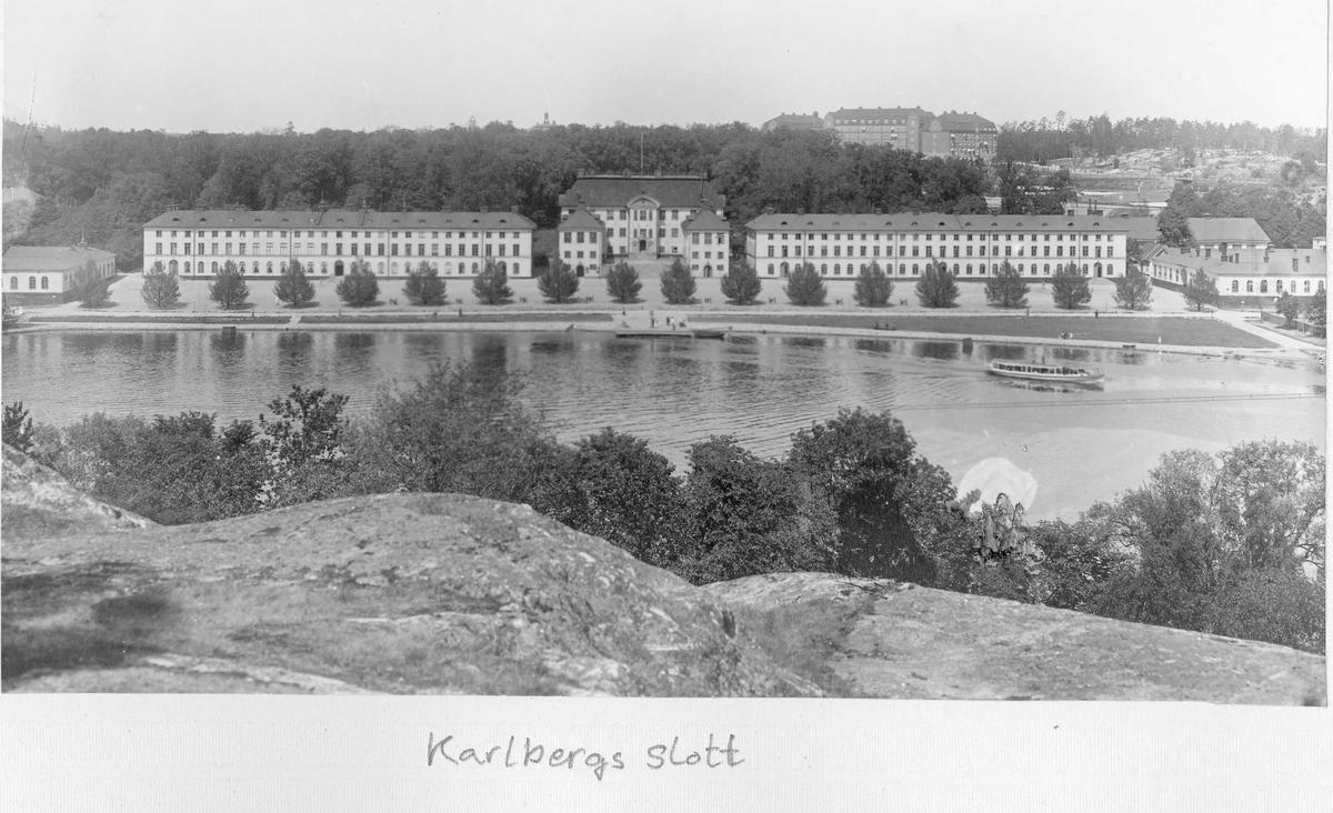 Karlbergs slott sett från höjd på Kungsholmen.