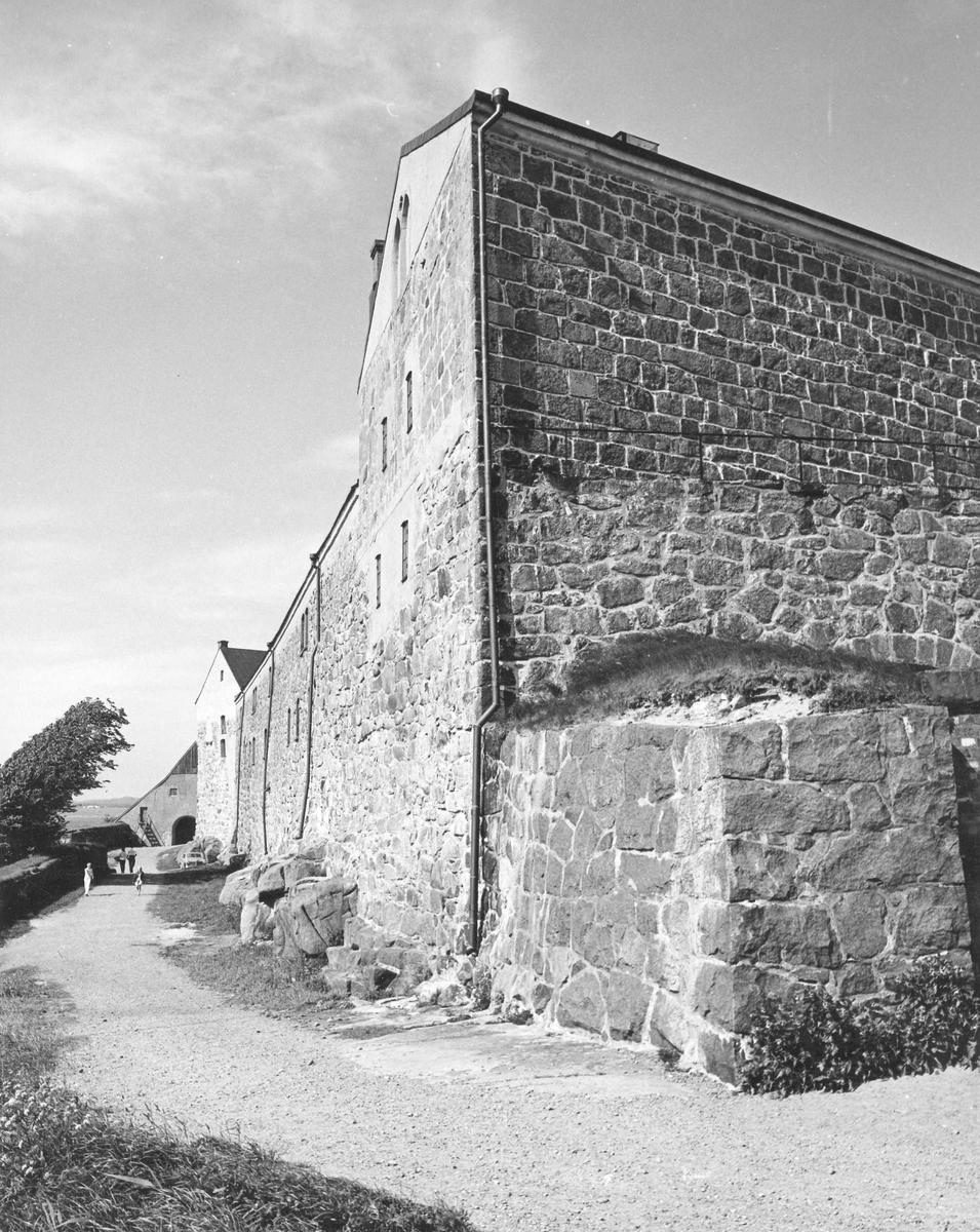 Yttre murarna på Varbergs fästning.