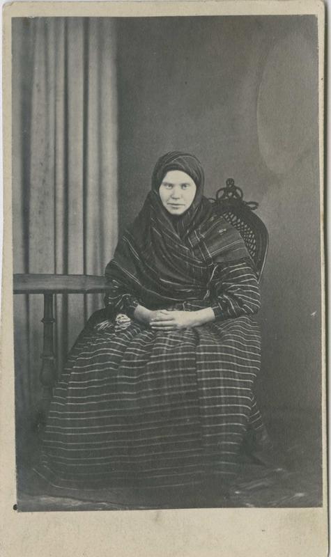 Kristine Helgesdatter, Lier, arrestert i 1866 eller 1867, innsatt i distriktsfengslet i Hokksund for tyveri.