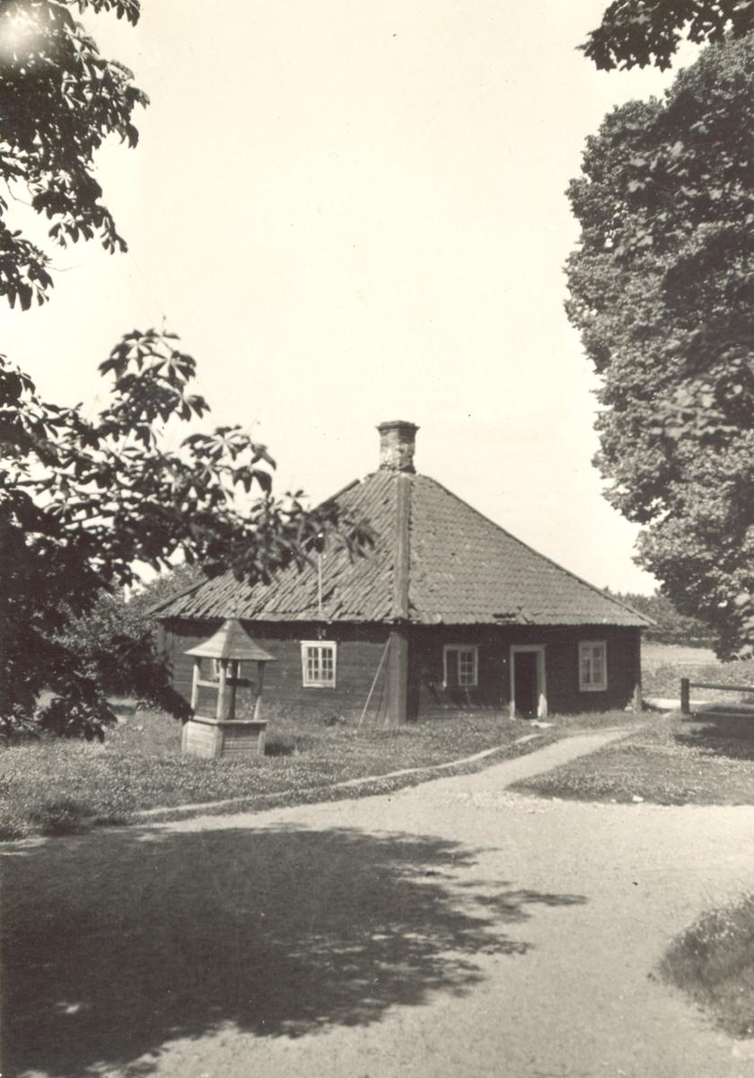 Småland, Kalmar län, Kalmar kommun, Förlösa sn, Förlösa gård. Byggnaden riven 1954. Erlandsson f.d. Fornanders
