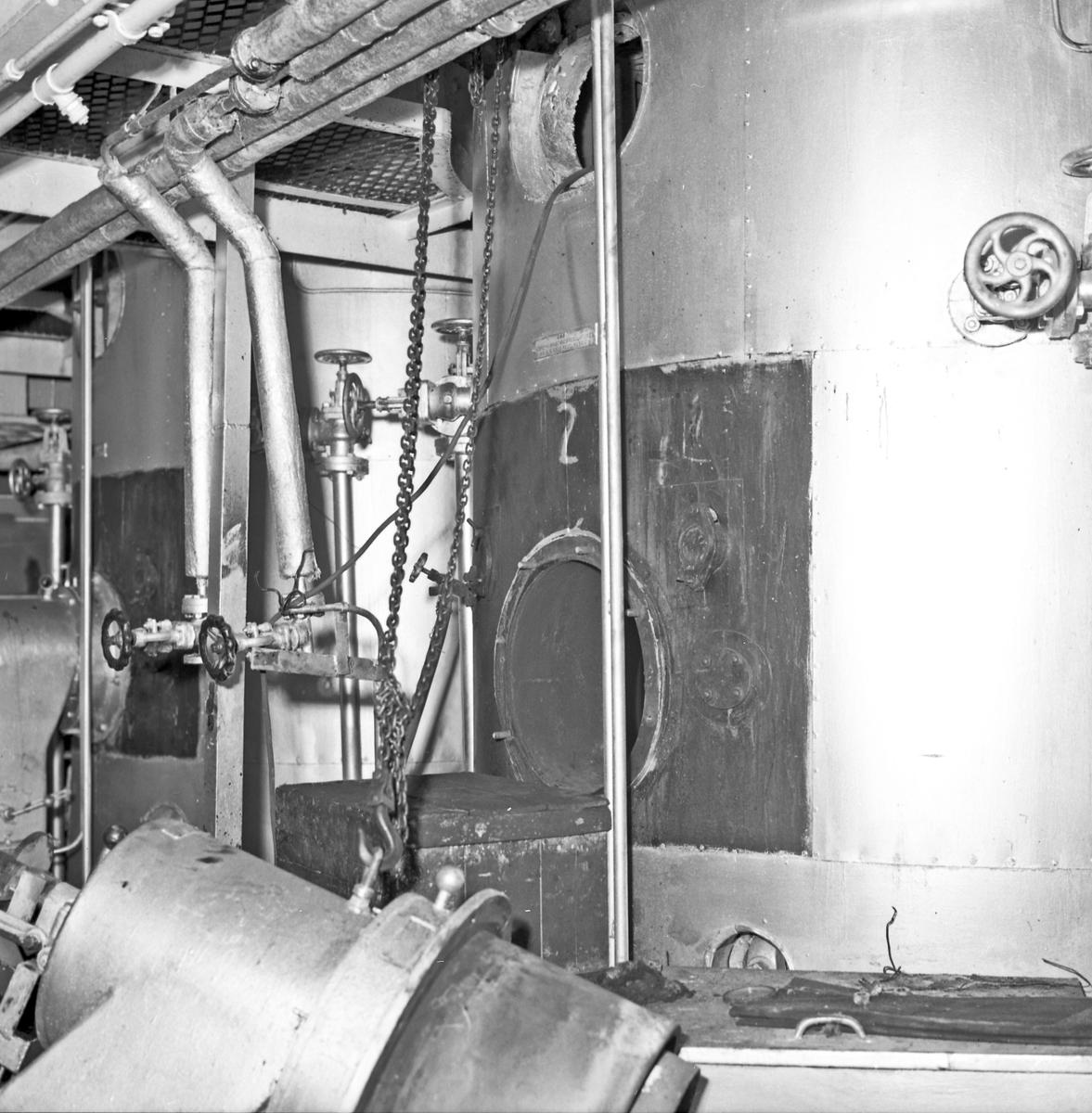 """Defekt steamkjele på M/S """"Bercan"""" - bestiller H.M.V."""