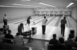 Pressbyråns personal i bowlinghallen.