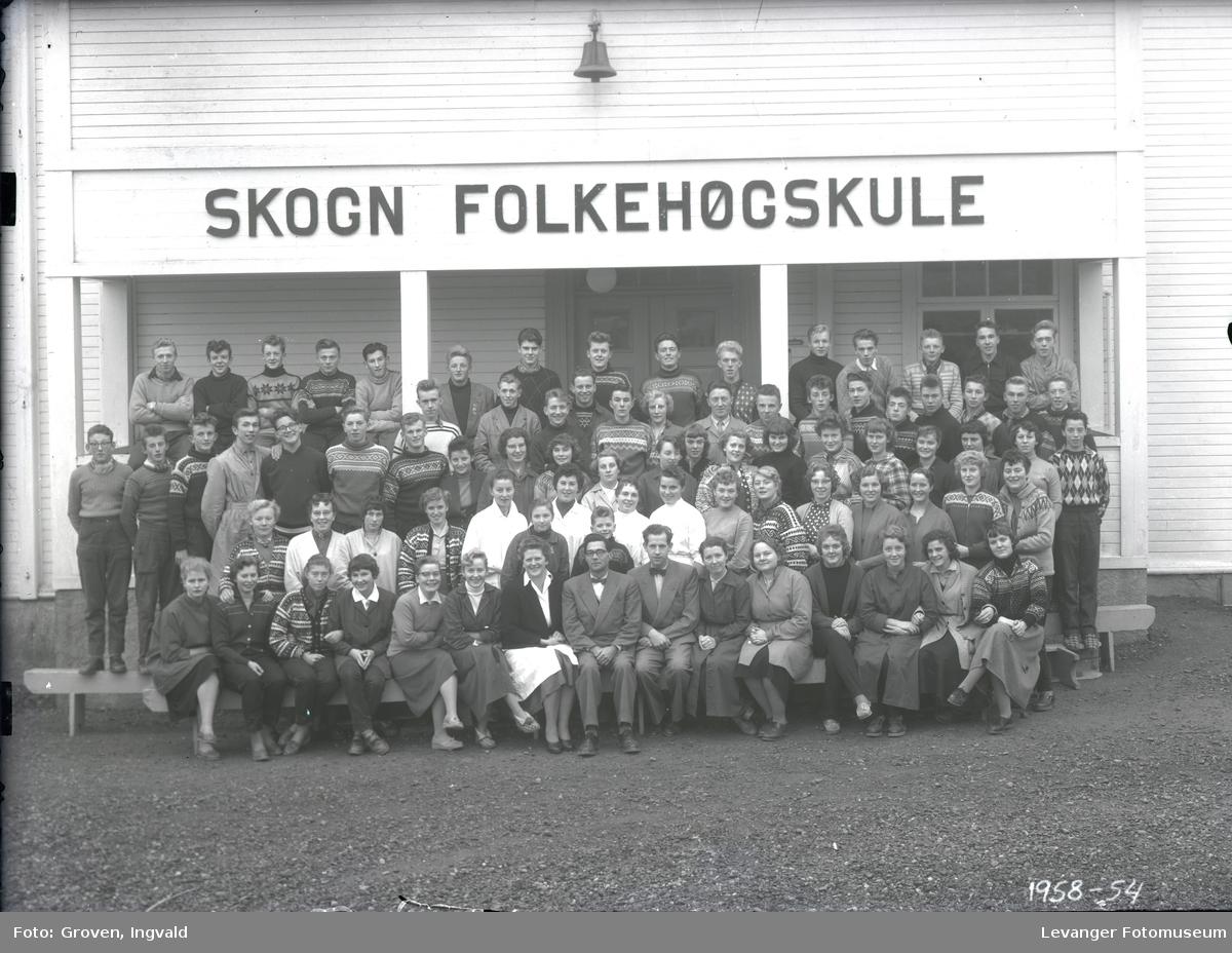 Skolebilde, Skogn folkehøgskole med personalet,