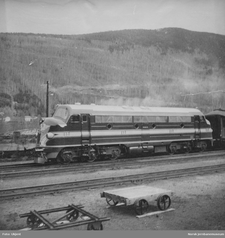Innleid diesellokomotiv fra NOHAB, senere Di 3 602