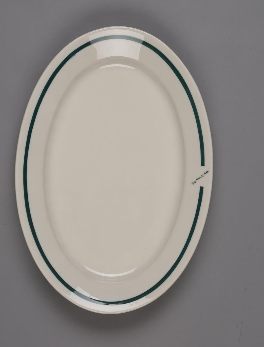 Ovalt serveringsfat fra ubåten NAUTILUS.
