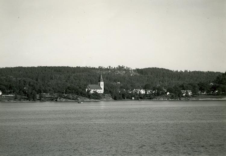 """Enligt Bengt Lundins noteringar: """"Ljungs kyrka från sjön""""."""