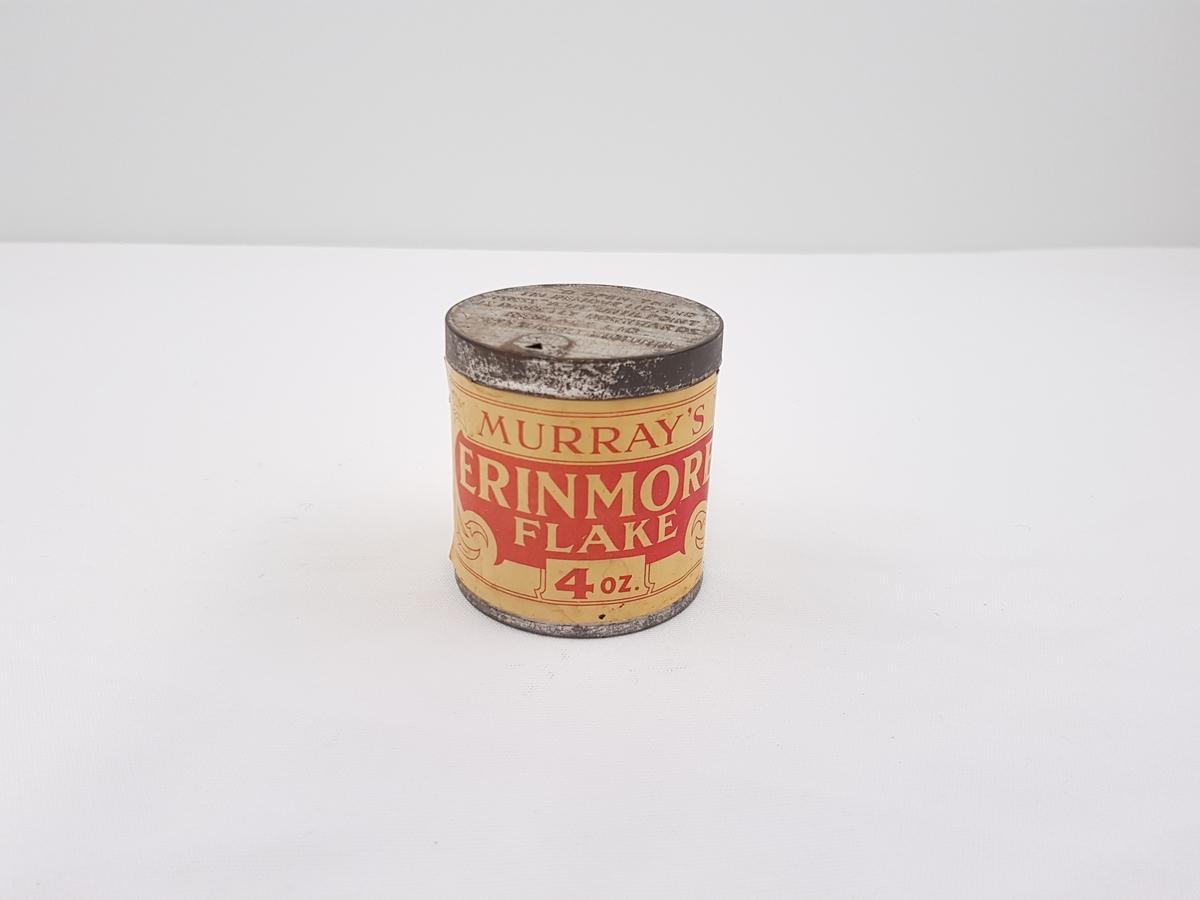 Uåpnet tobakkforpakning med original etikett.