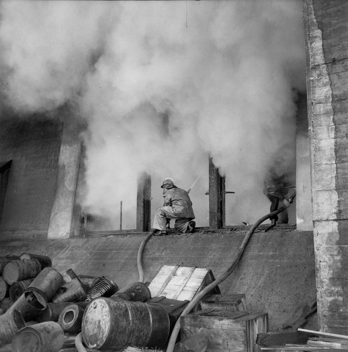 Brann på Nyhavna hos firma E. Hørgård