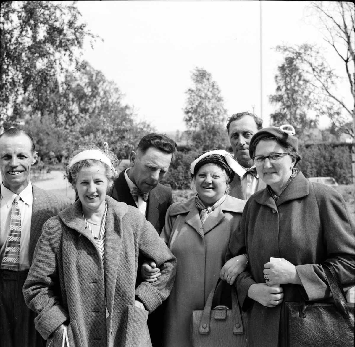 Mejeriföreningen, P. Perzon, Sv. Häger, m.fl. Besök på mejeriet, 1953