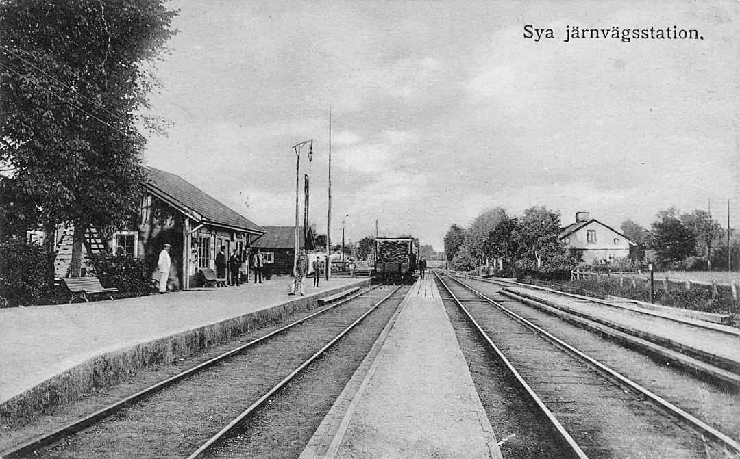 Vykort som visar Sya järnvägsstation.