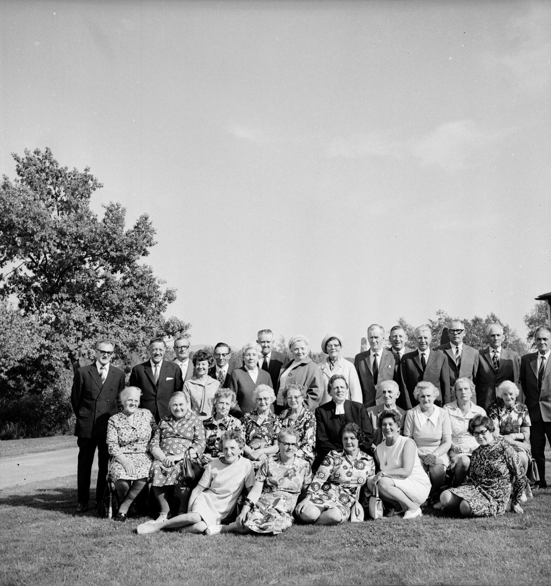 Arbrå kyrka. Konfirmandträff. 18/6-1972
