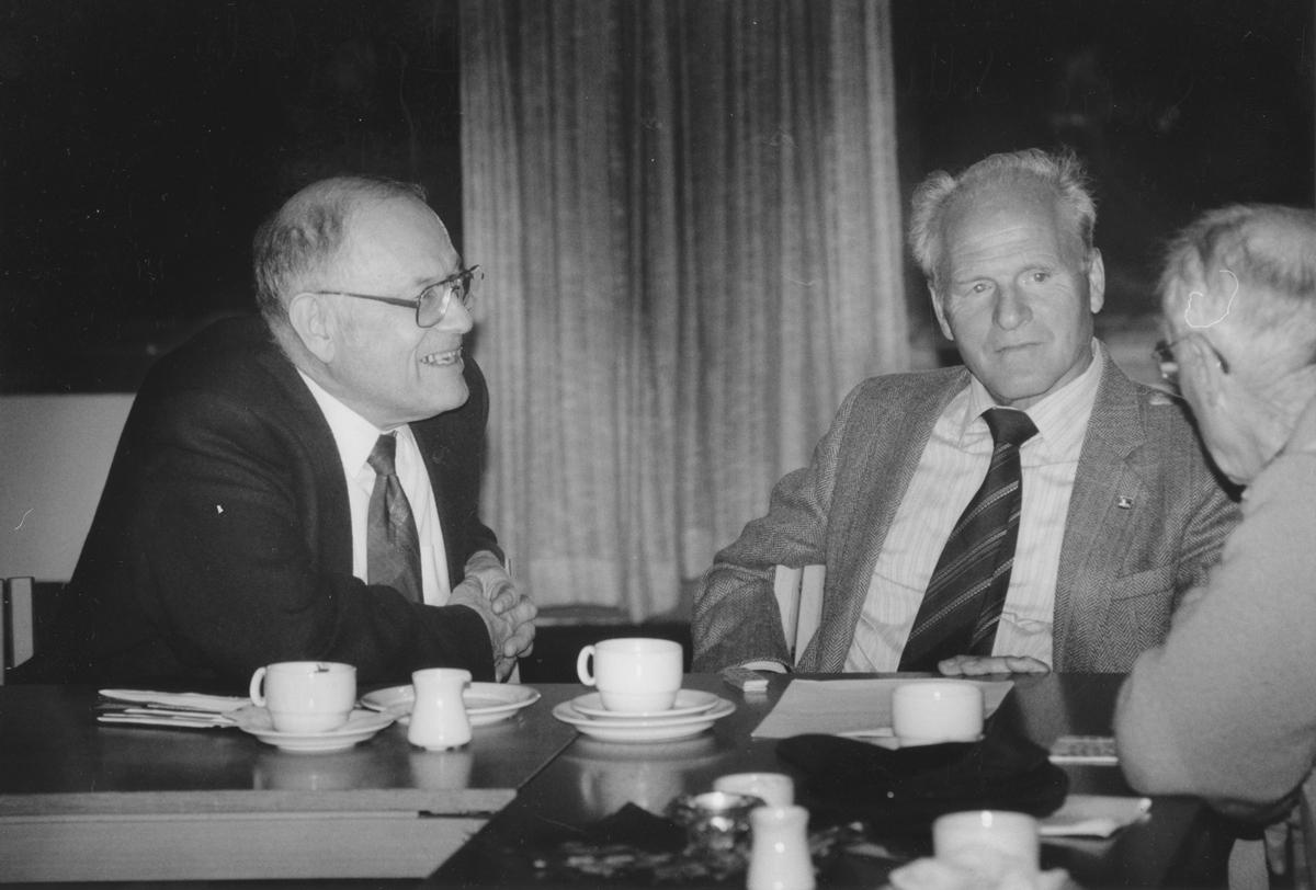 Fra venstre: Sverre Sollie og Thauland.