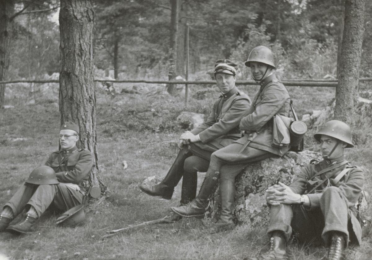 Soldater under en paus.