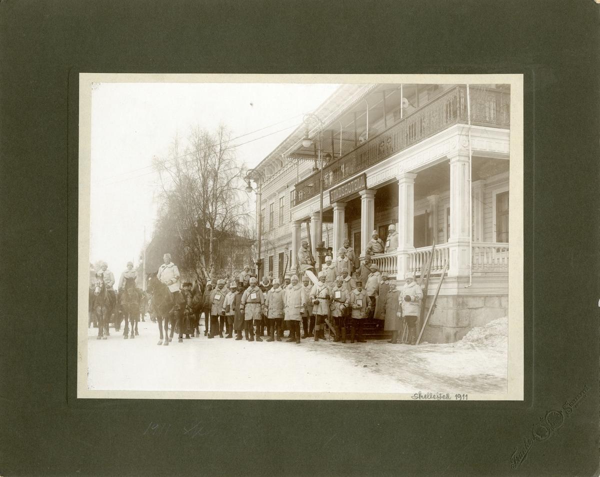 Grupporträtt av officerare vid Krigshögskolan i Skellefteå, 1911.