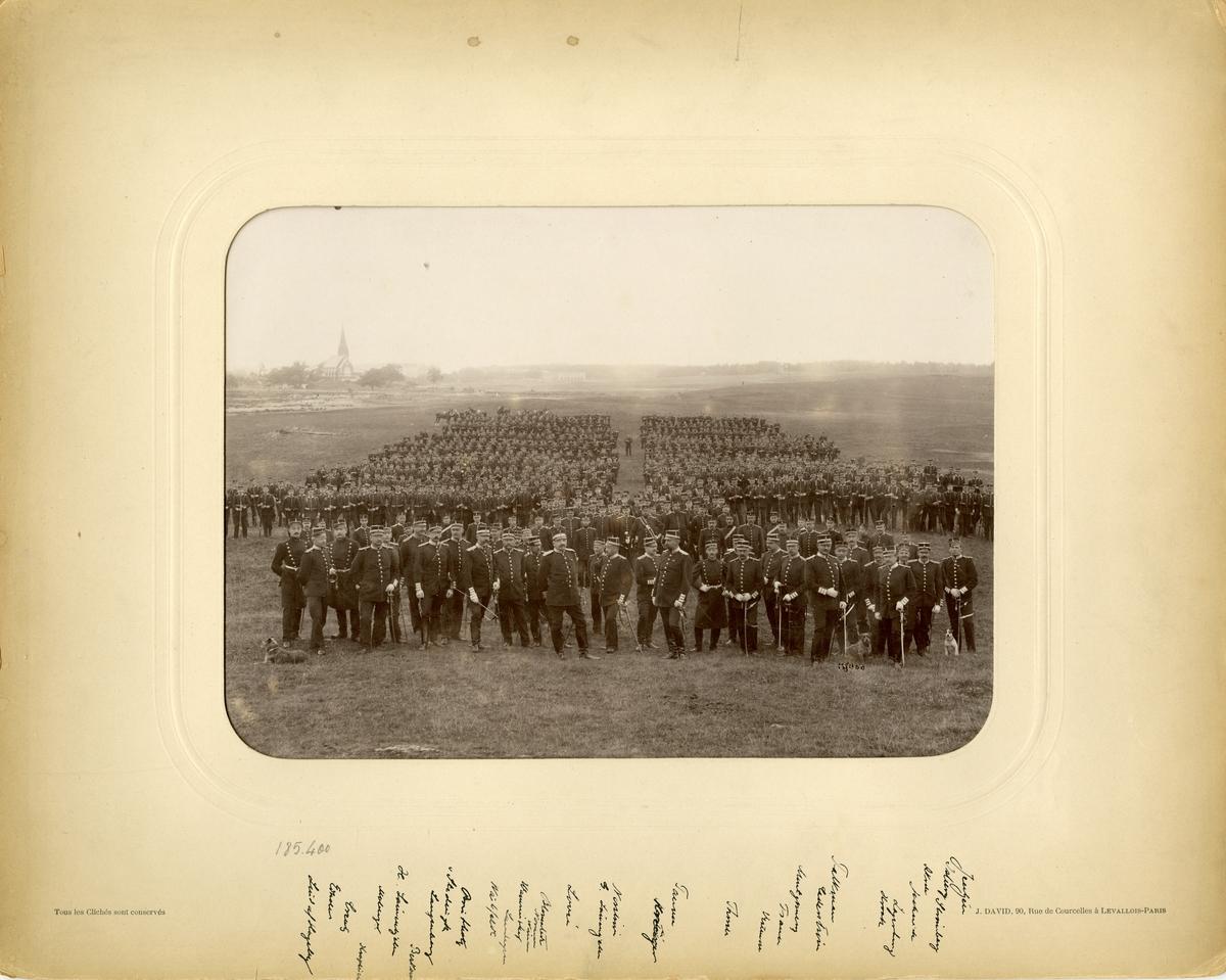 Göta livgardes I 2 uppställning på Ladugårdsgärde i Stockholm 1896. För namn, se bild nr. 2.