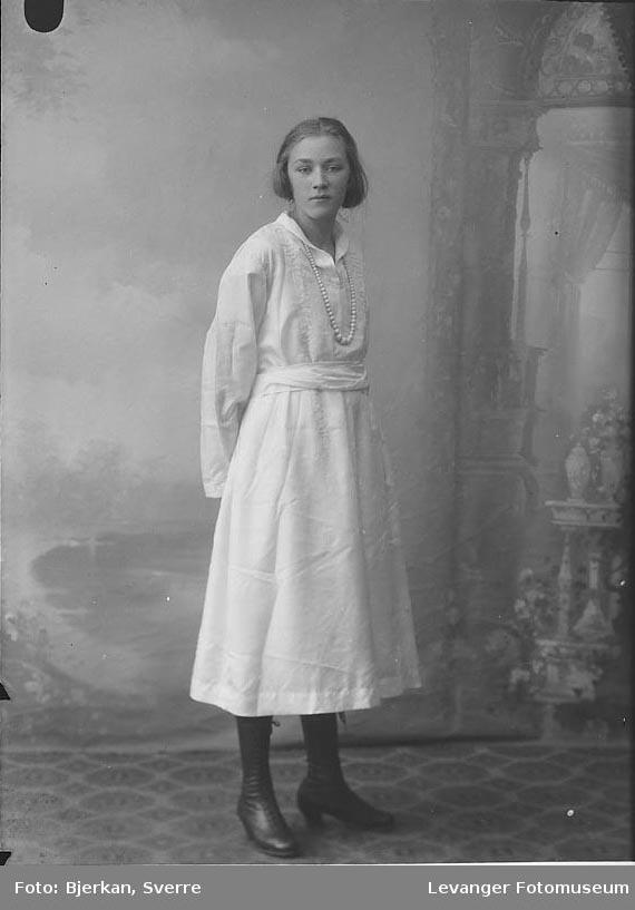 Portrett av Solveig Grønning.