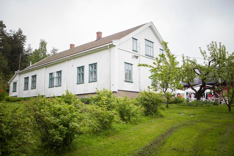 Om sommeren kan også hagen benyttes i forbindelse med leie av lokalene