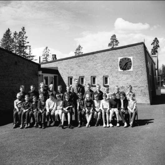 Klassfoto från Södra Skogens skola, Karlsborg, 1962.