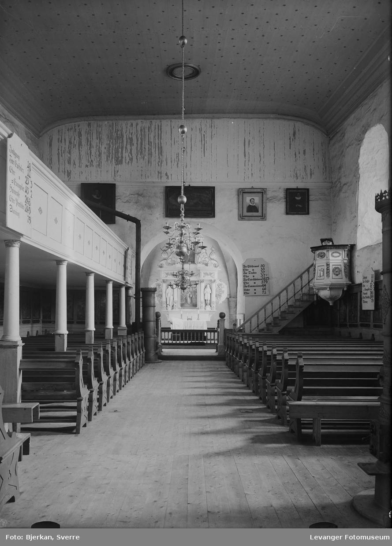 Stiklestad kirke fra kirkerommet, fotografert før 1930.