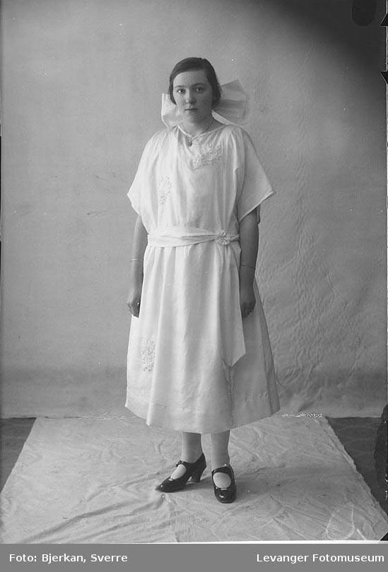 Portrett av Åsta Vinge