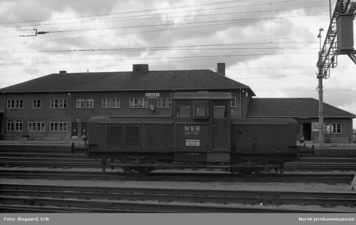 Skiftetraktor Skd 214 091 på Dombås stasjon