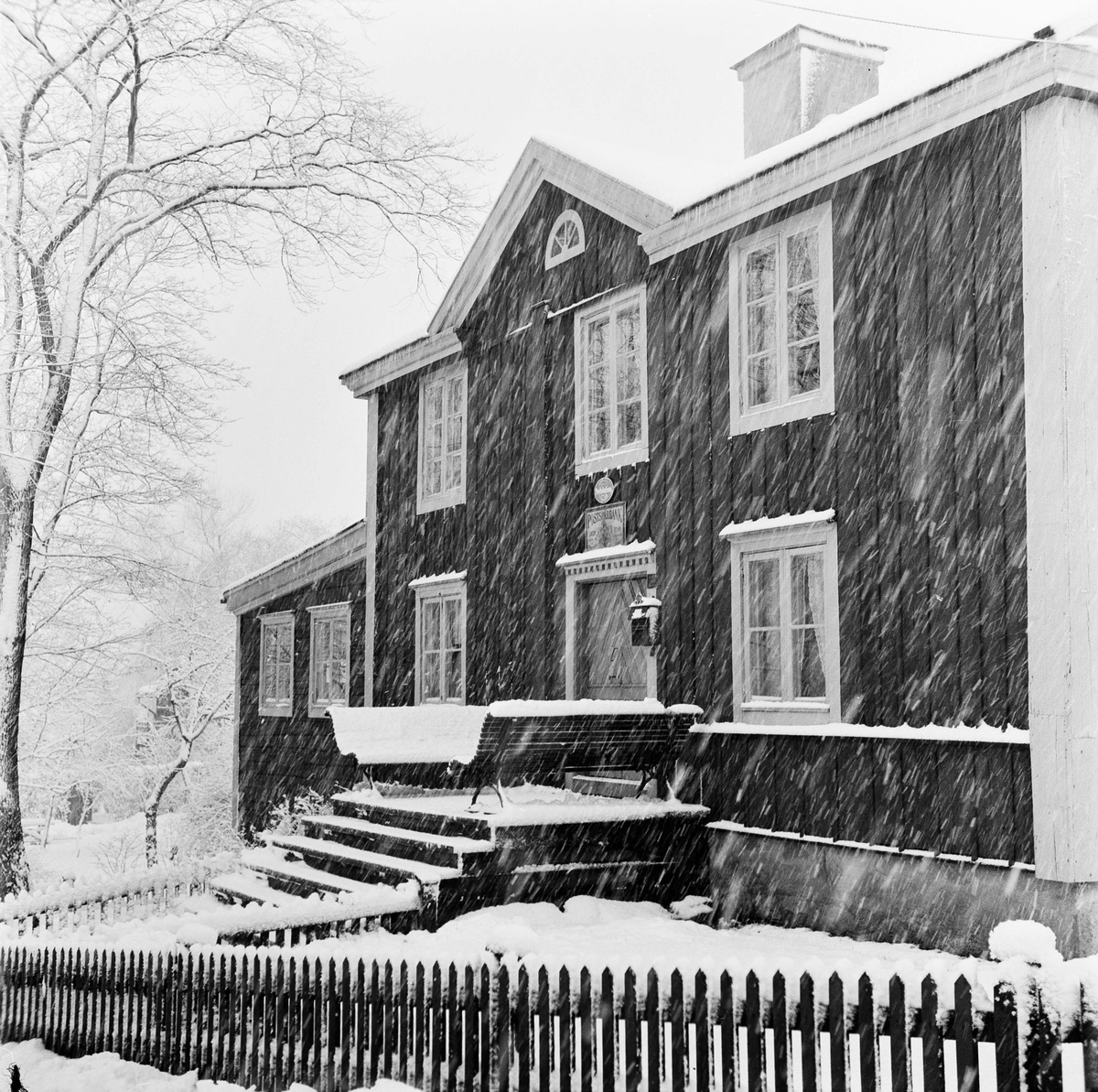 Posthuset på Skansen. Vinter. Snö.