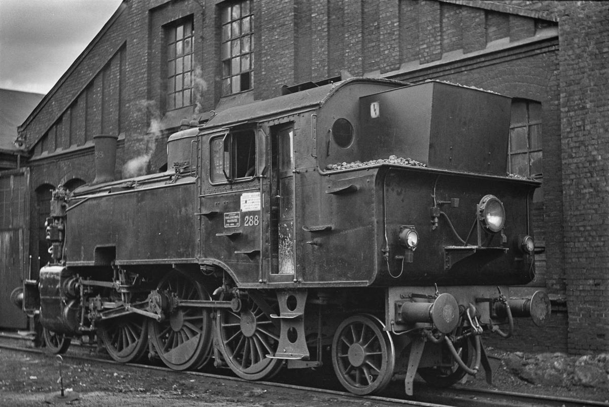 Damplokomotiv type 32a nr. 288 ved Gamlestallen i Lodalen.