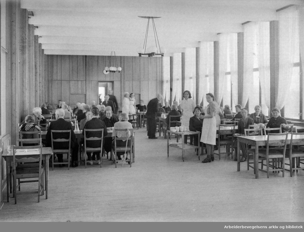 Tåsen gamlehjem. Mars 1946